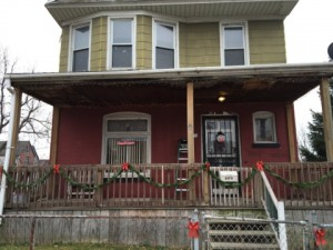 Tan and Red House - Fully Decorated